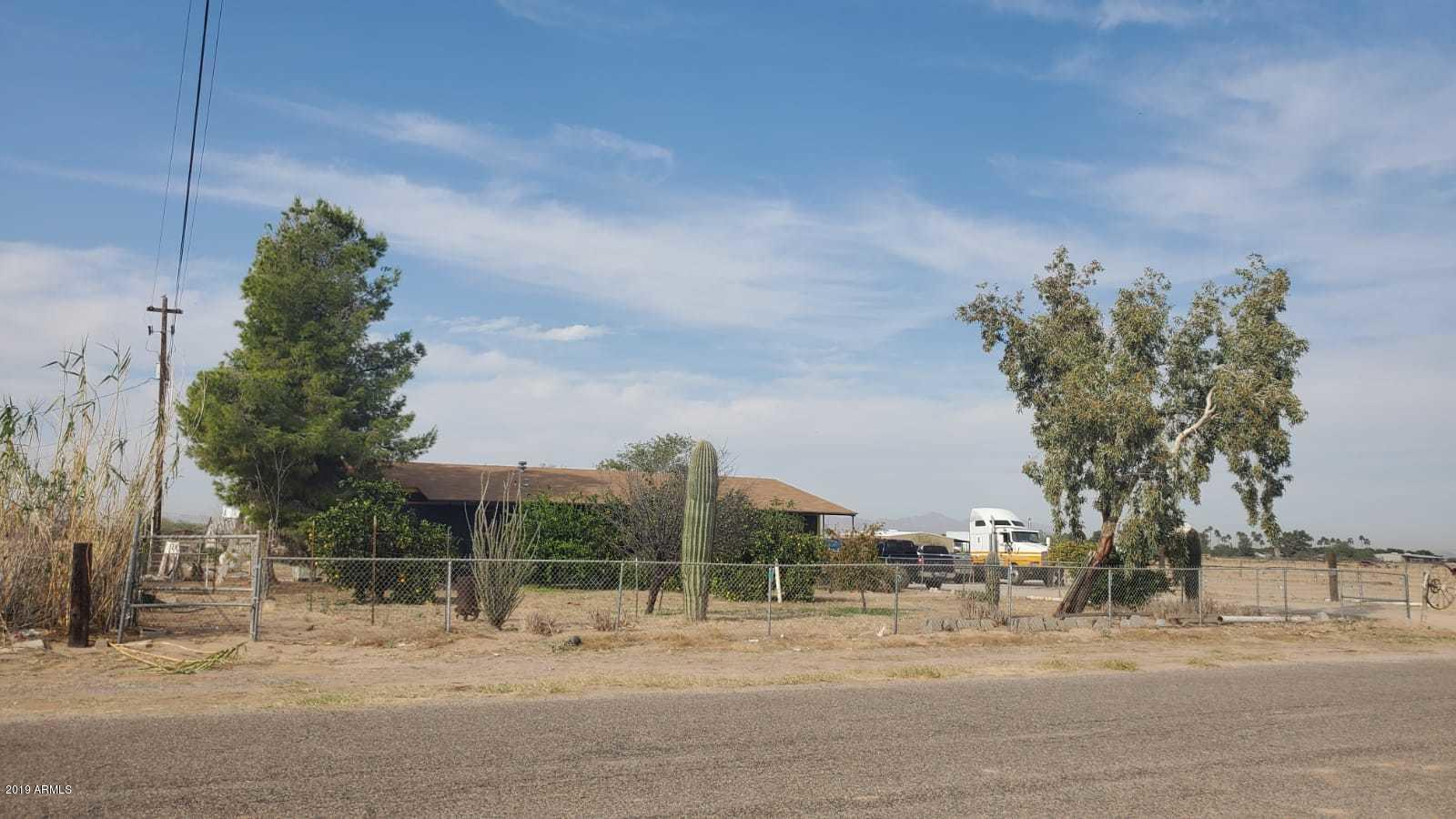 Photo of 13690 N PALO VERDE Drive, Maricopa, AZ 85138