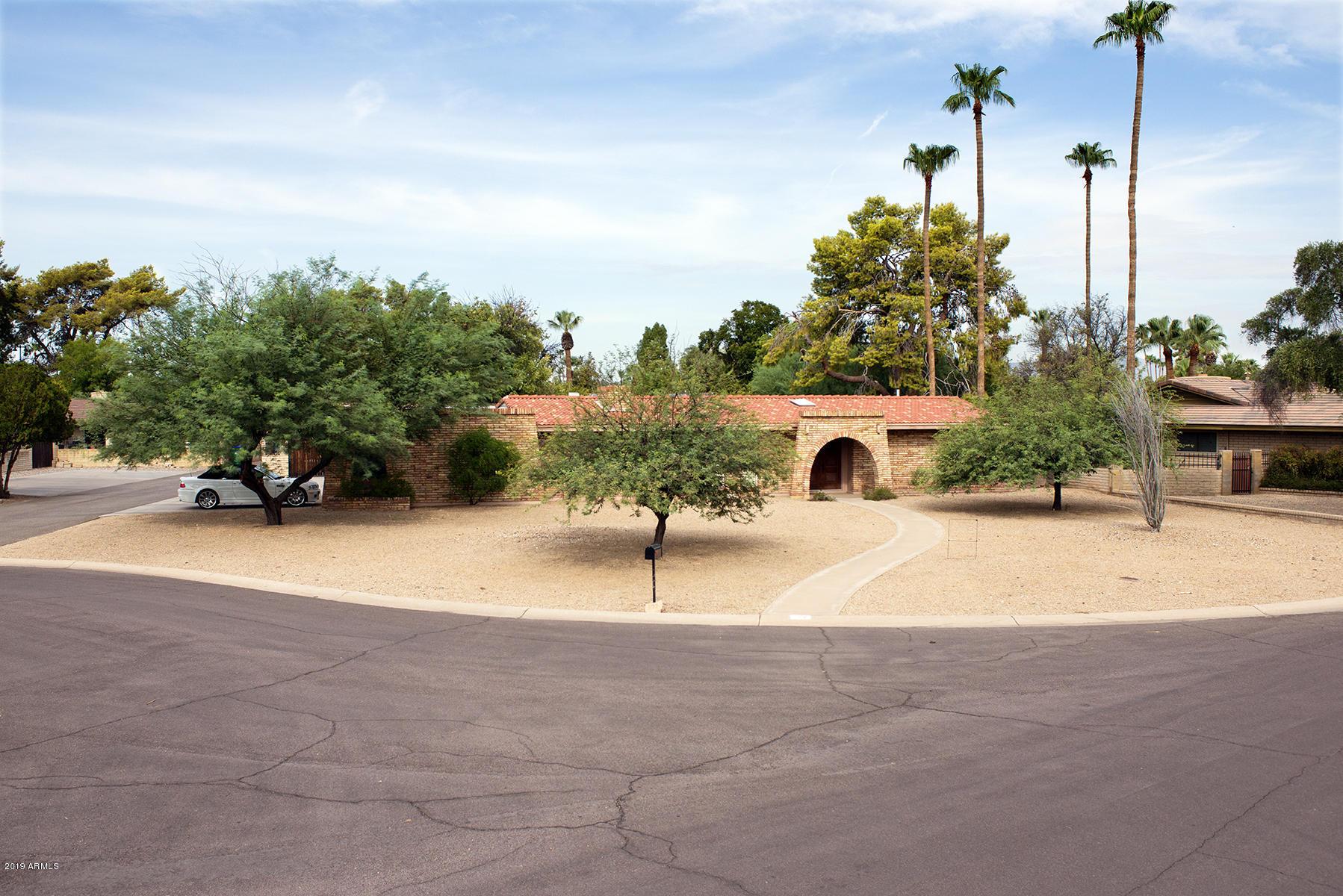 Photo of 677 E FAIRWAY Drive, Litchfield Park, AZ 85340