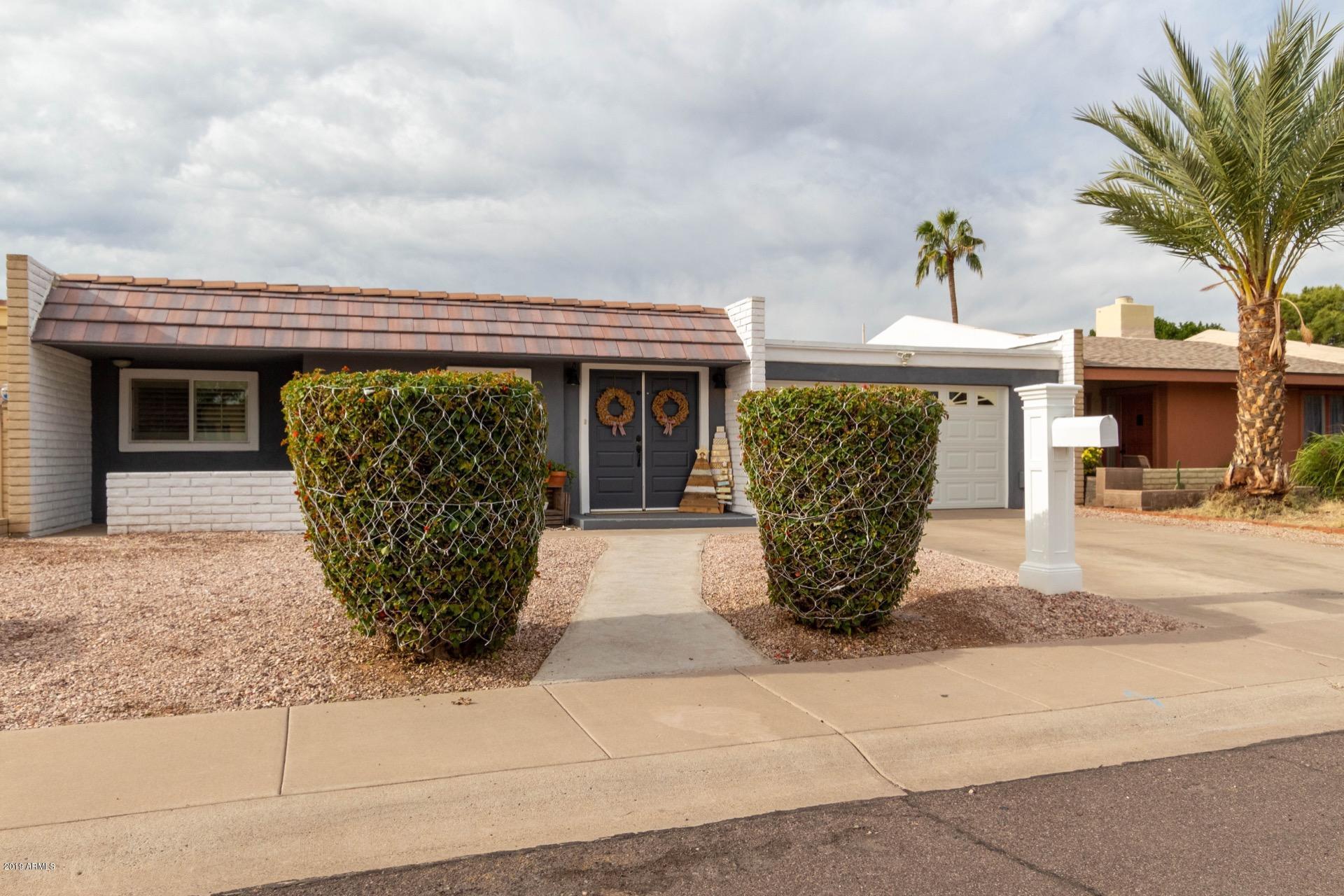 Photo of 414 S CABRITO Circle, Litchfield Park, AZ 85340