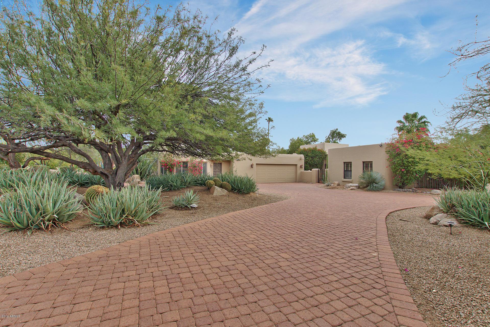 Photo of 8407 E LA SENDA Drive, Scottsdale, AZ 85255