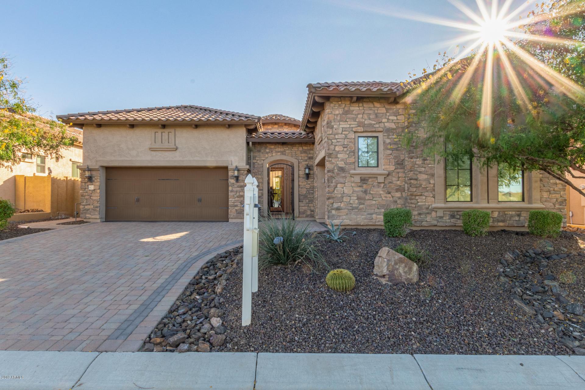 Photo of 8421 E LEONORA Street, Mesa, AZ 85207