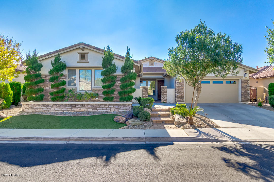 Photo of 3371 E VIRGIL Drive, Gilbert, AZ 85298
