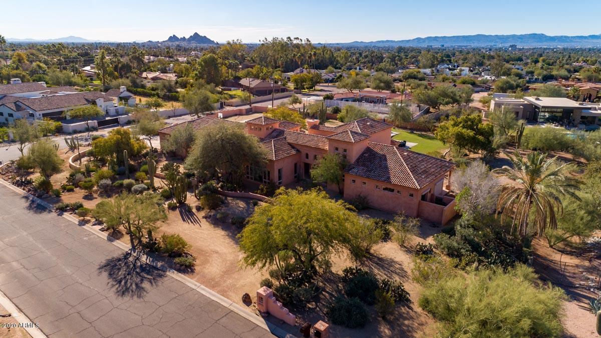 MLS 6020767 4951 E ROCKRIDGE Road, Phoenix, AZ 85018 Phoenix AZ Private Pool