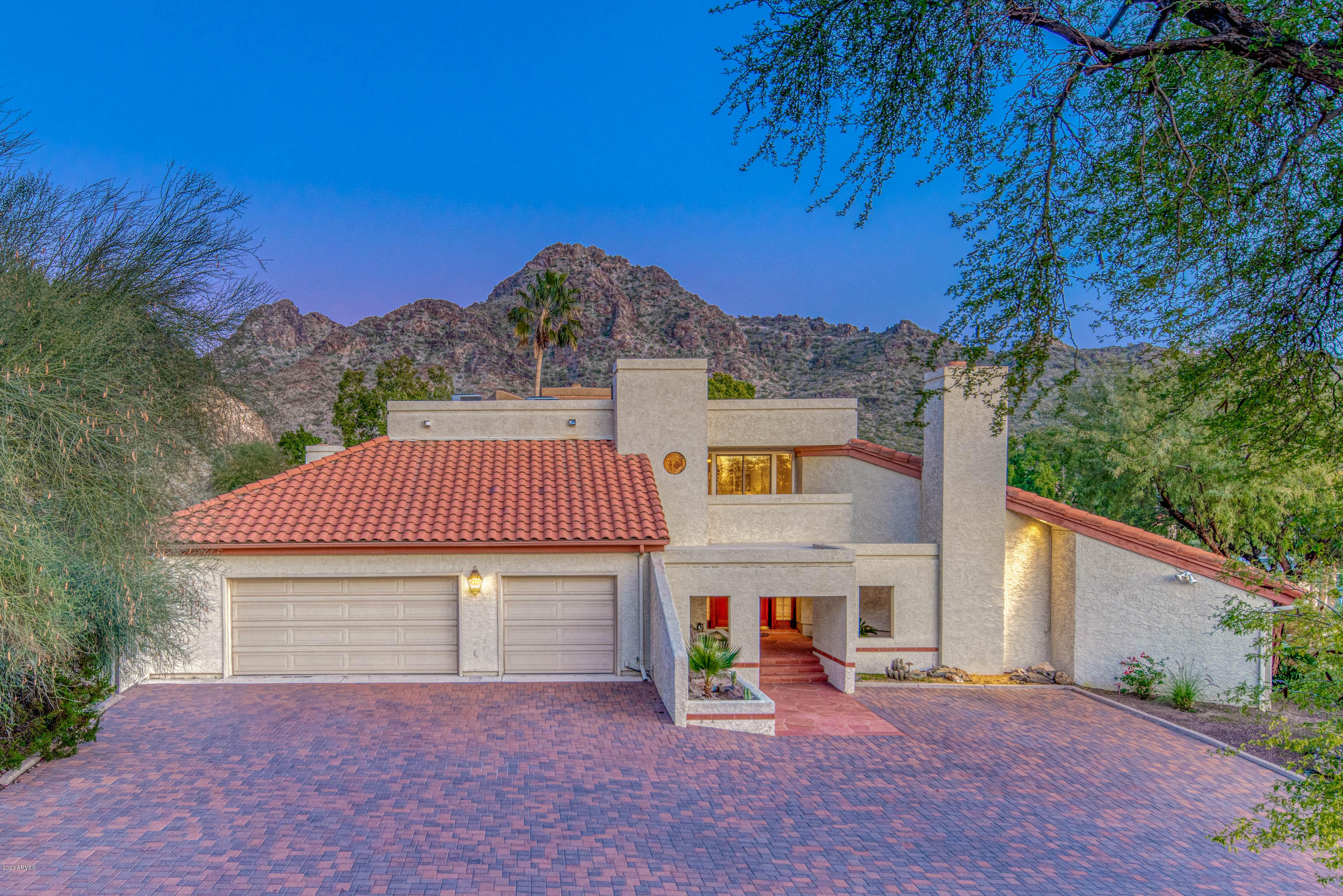 Photo of 7539 N 21ST Place, Phoenix, AZ 85020