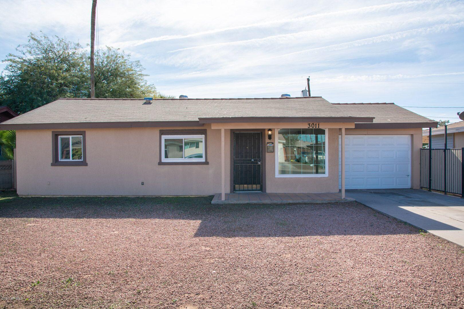 Photo of 3011 W HEATHERBRAE Drive, Phoenix, AZ 85017