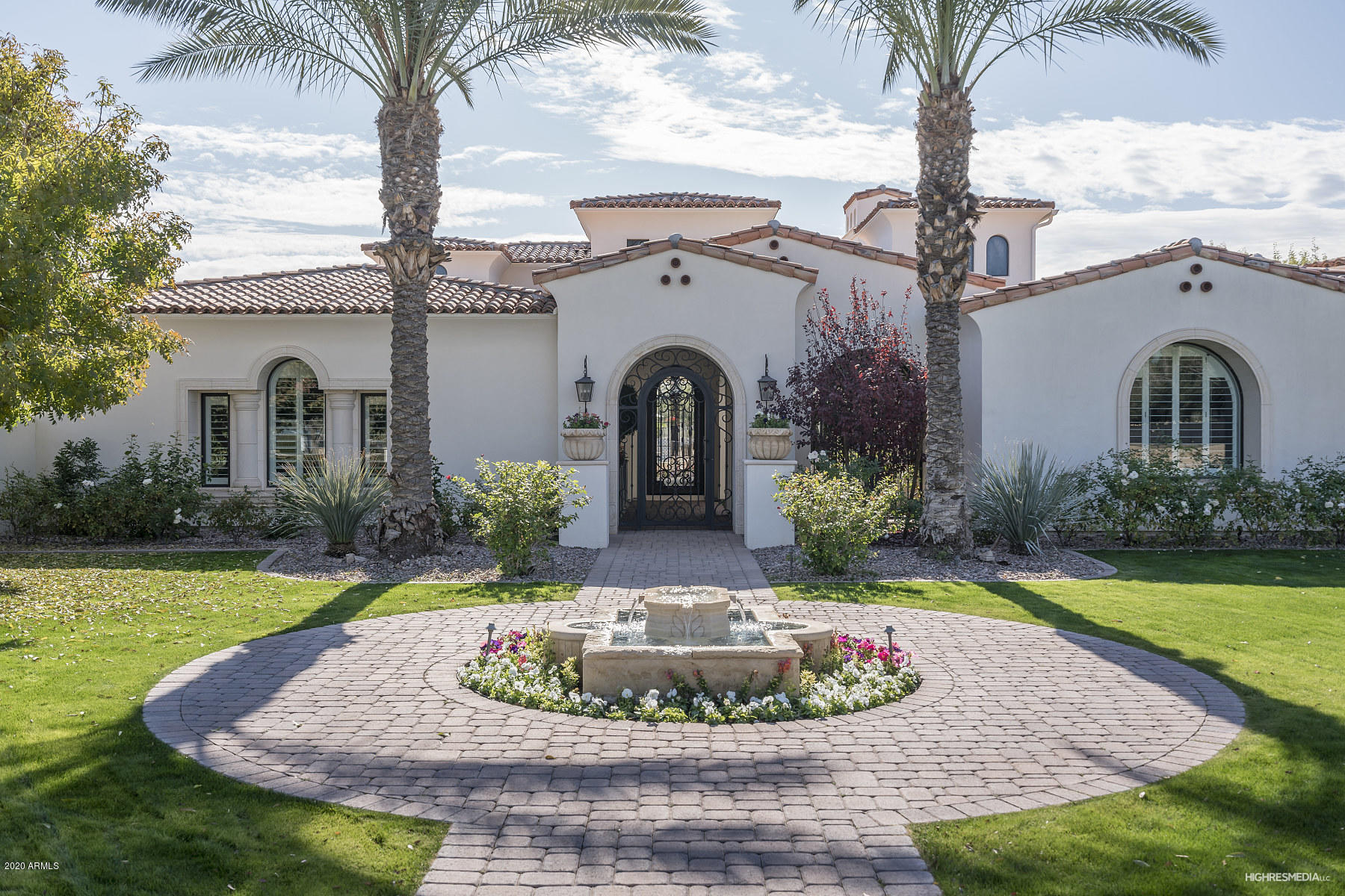 Photo of 6697 E Cactus Wren Road, Paradise Valley, AZ 85253