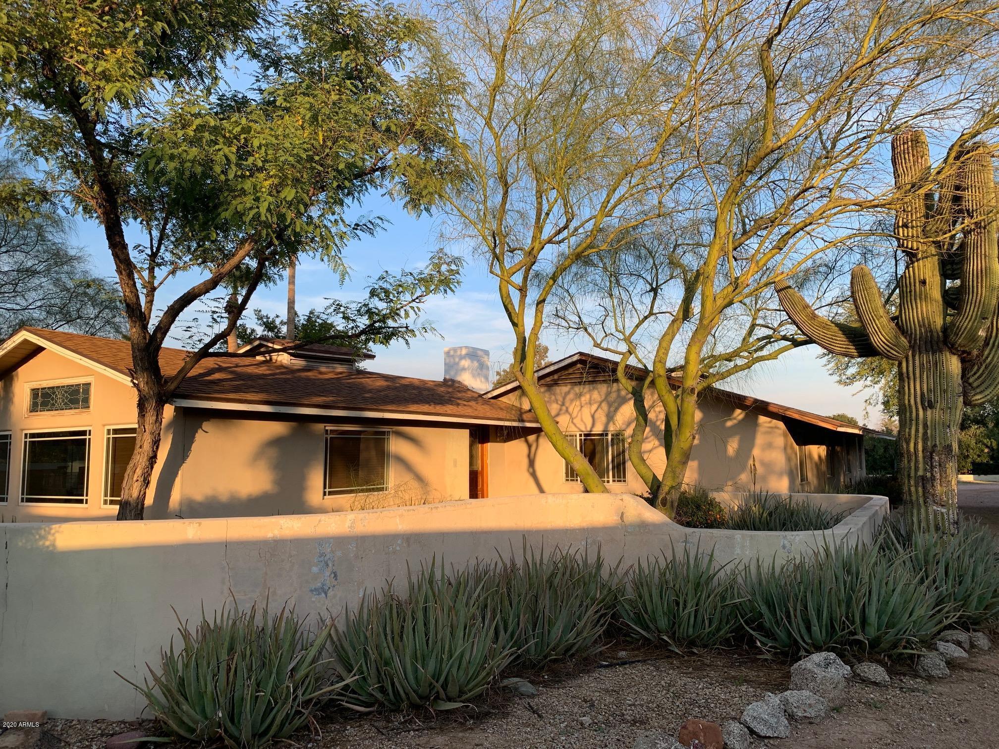 Photo of 6602 E LINCOLN Drive, Paradise Valley, AZ 85253