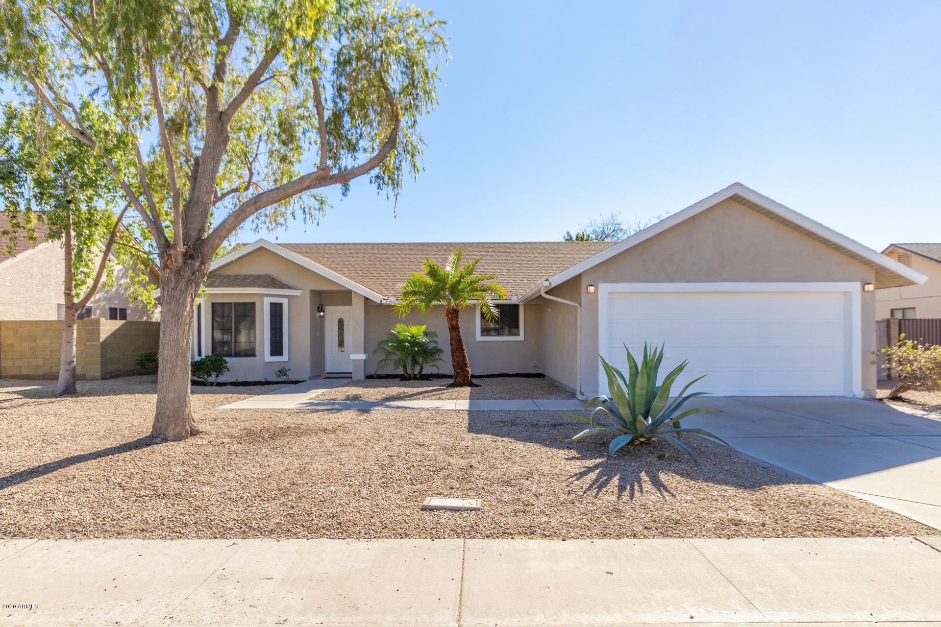 Photo of 5655 E ELLIS Street, Mesa, AZ 85205