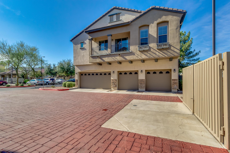 Photo of 2727 N PRICE Road #81, Chandler, AZ 85224
