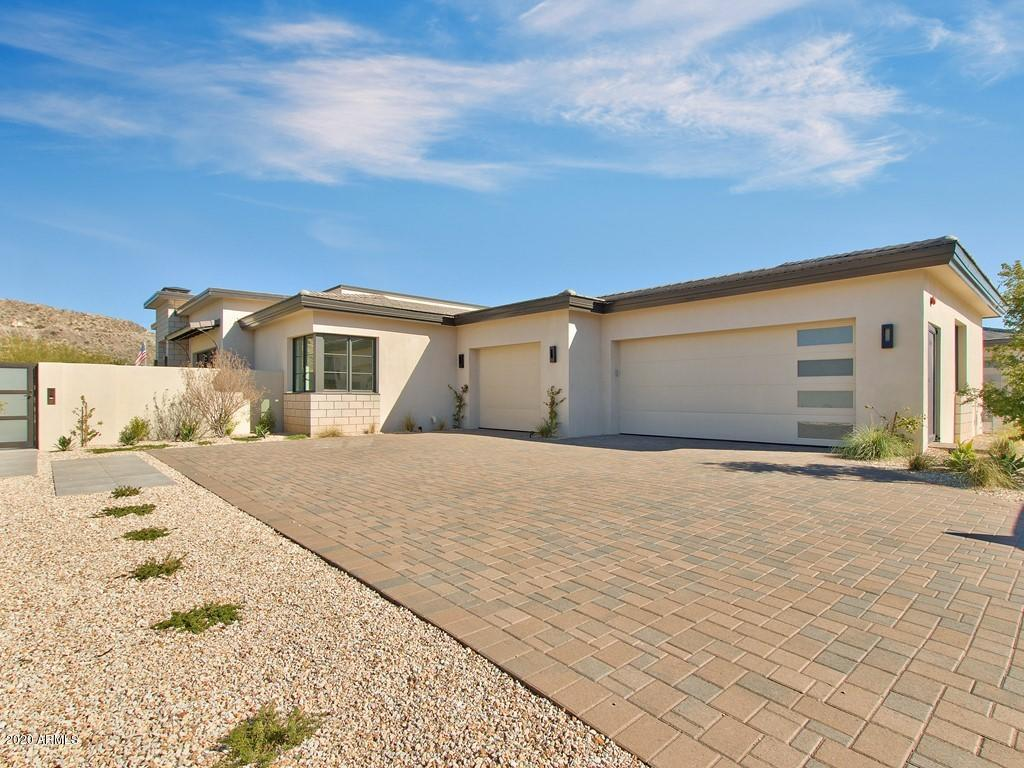 Photo of 5696 E VILLAGE Drive, Paradise Valley, AZ 85253
