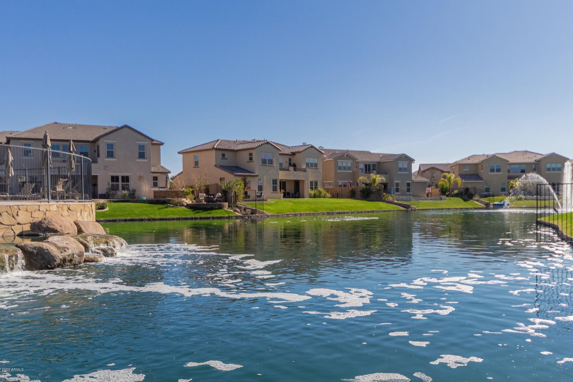 Photo of 890 W GRAND CANYON Drive, Chandler, AZ 85248