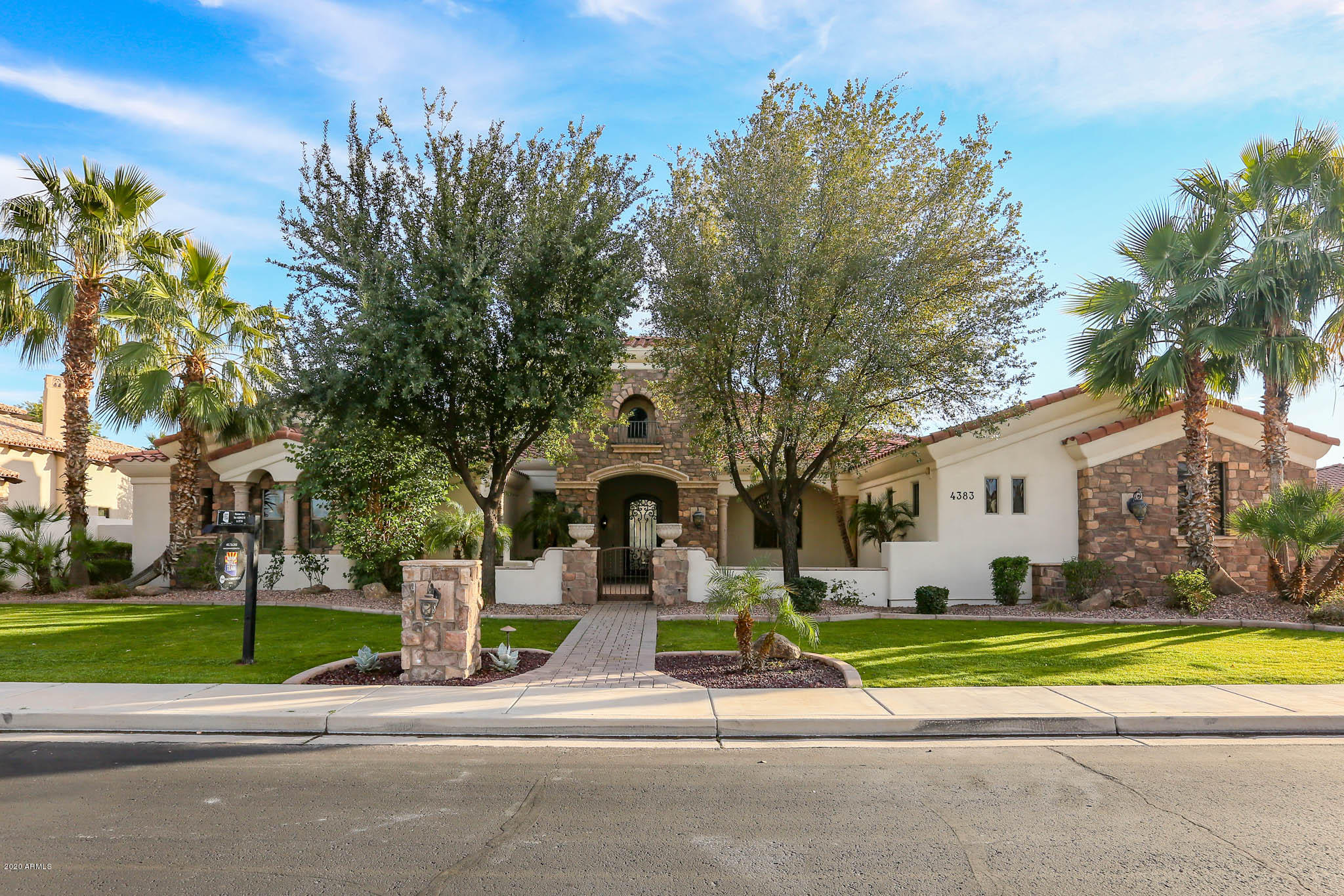 Photo of 4383 E LIBRA Place, Chandler, AZ 85249