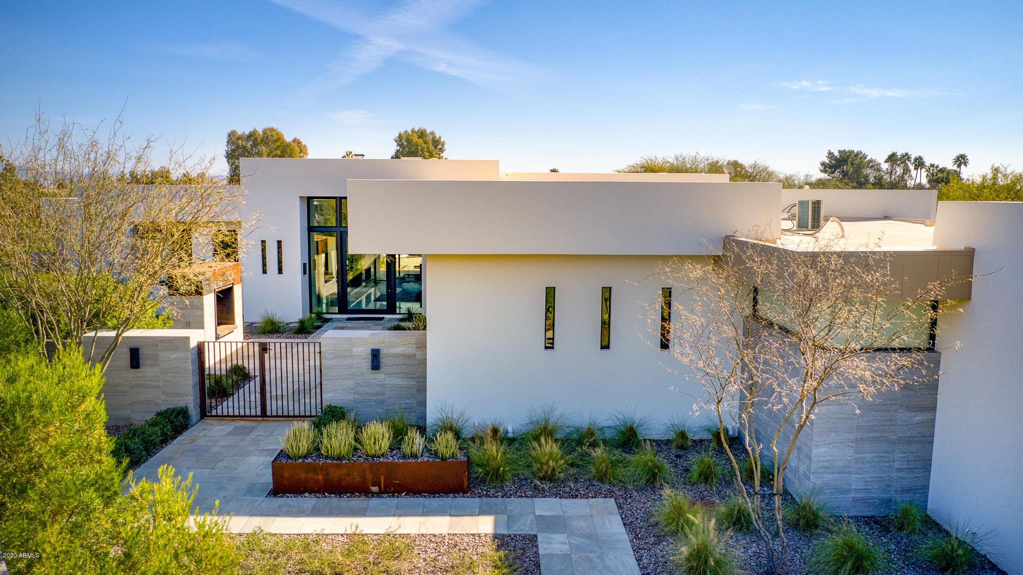 Photo of 6682 E MALCOMB Drive, Paradise Valley, AZ 85253