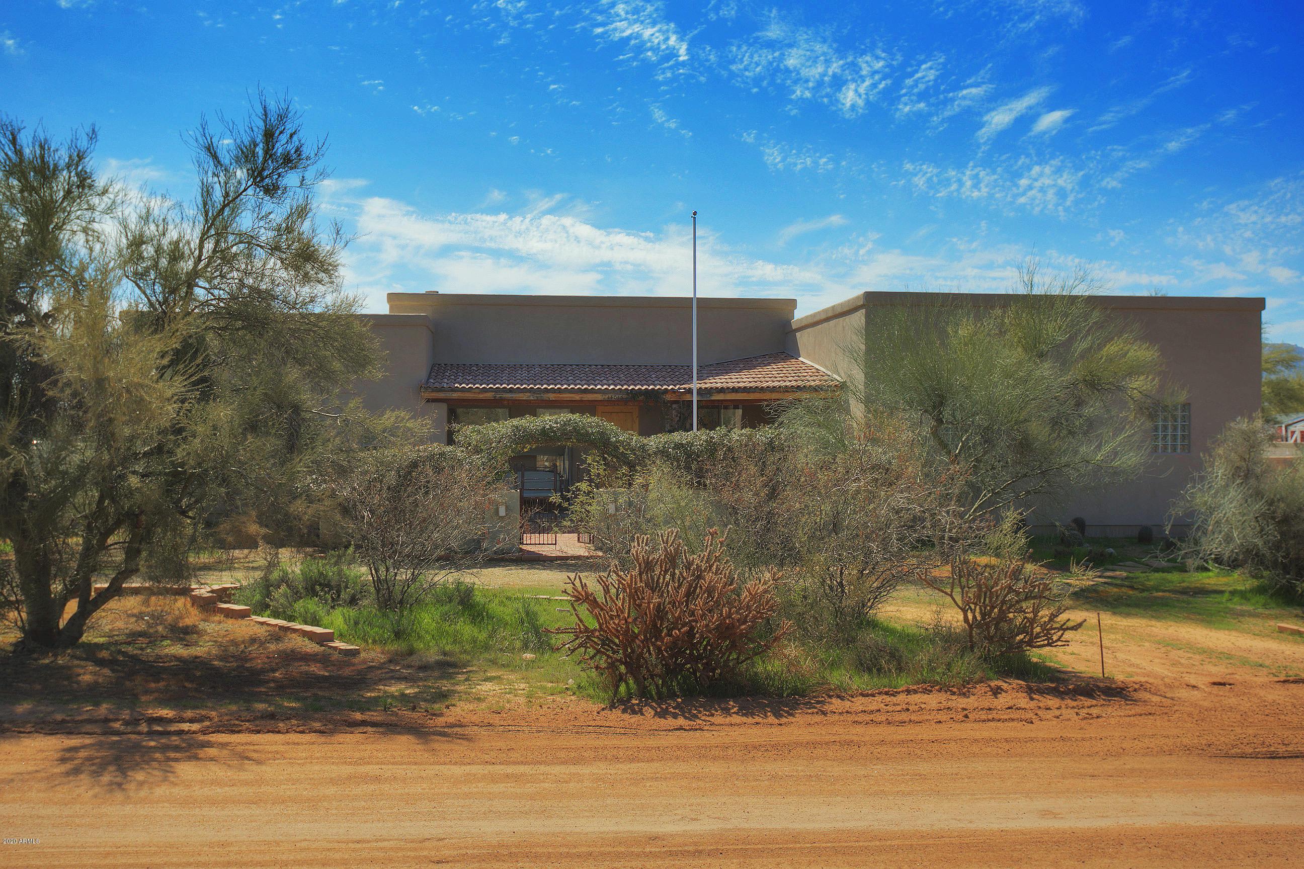 Photo of 14015 E QUAIL TRACK Road, Scottsdale, AZ 85262