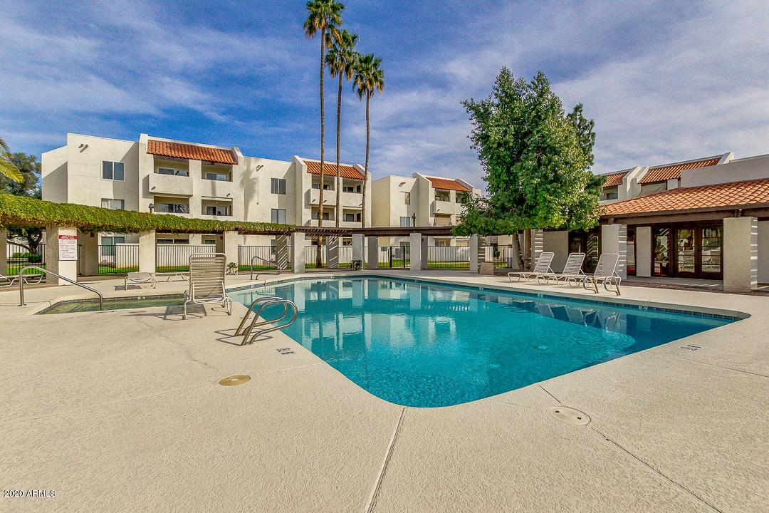 Photo of 4730 W NORTHERN Avenue #2063, Glendale, AZ 85301