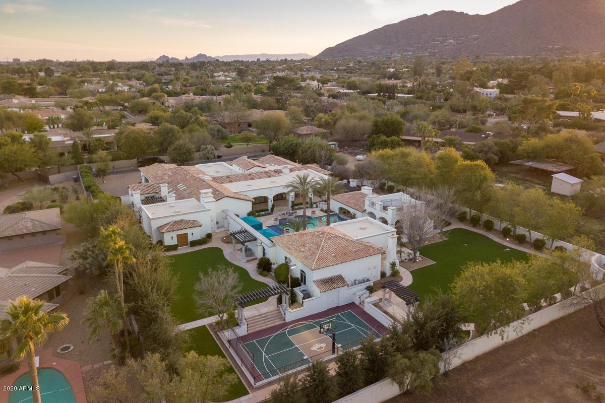 Photo of 6307 N MOCKINGBIRD Lane, Paradise Valley, AZ 85253