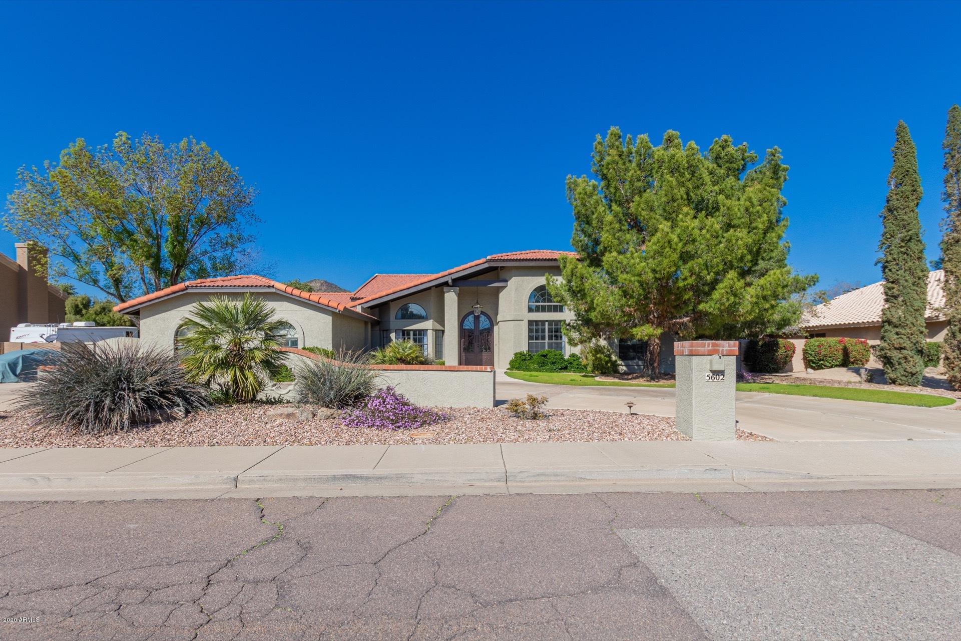 Photo of 5602 W ALAMEDA Road, Glendale, AZ 85310