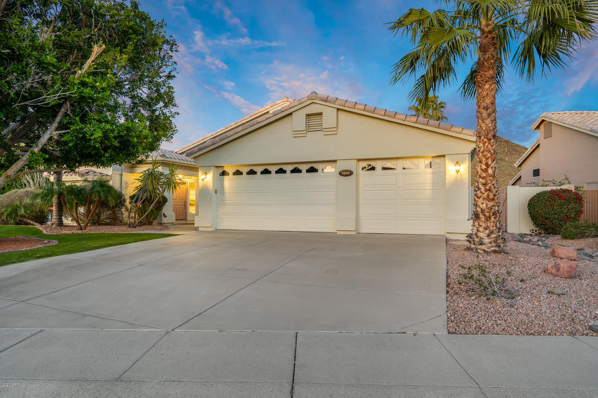 Photo of 5540 W Arrowhead Lakes Drive, Glendale, AZ 85308