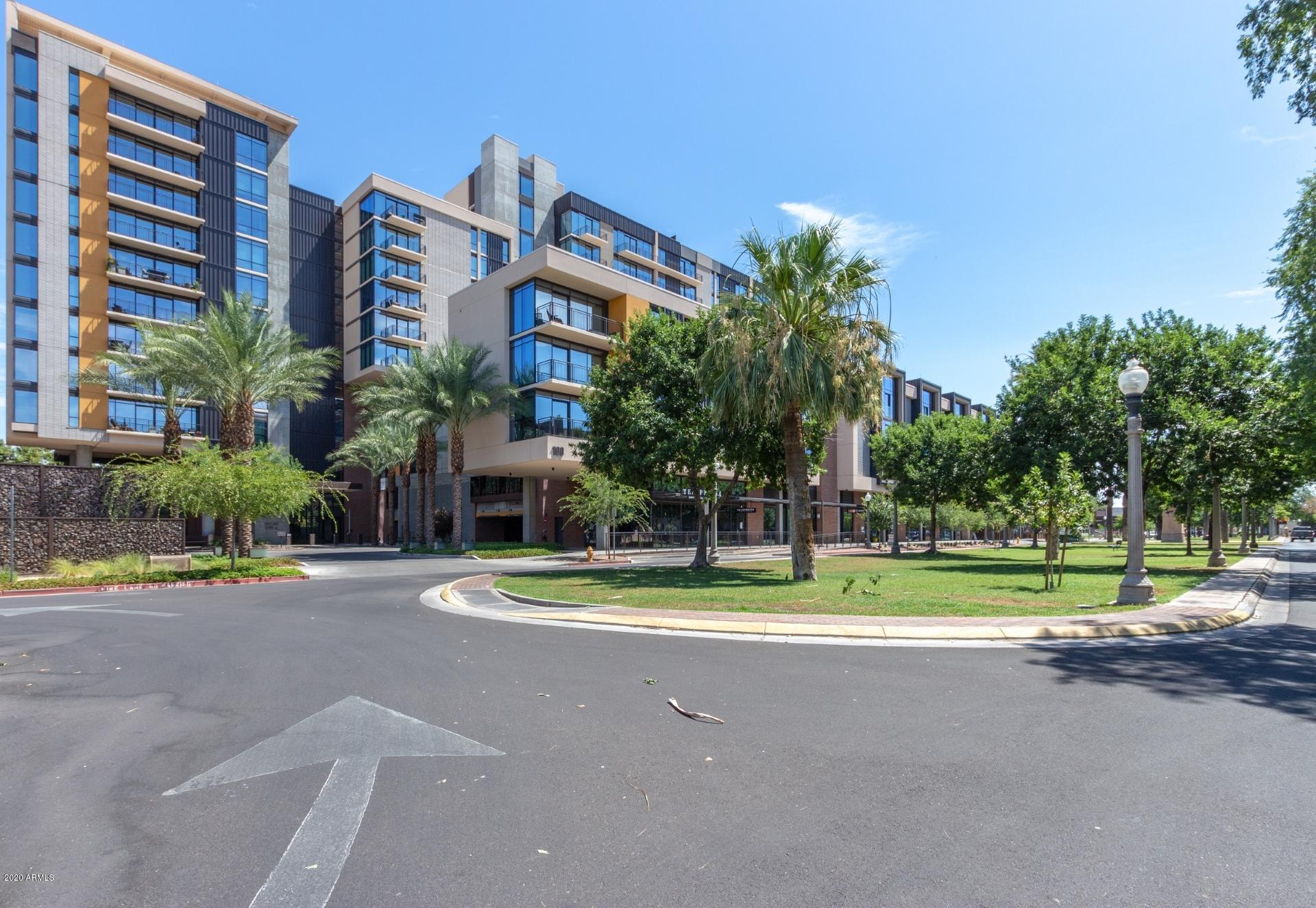 Photo of 200 W PORTLAND Street #1117, Phoenix, AZ 85003