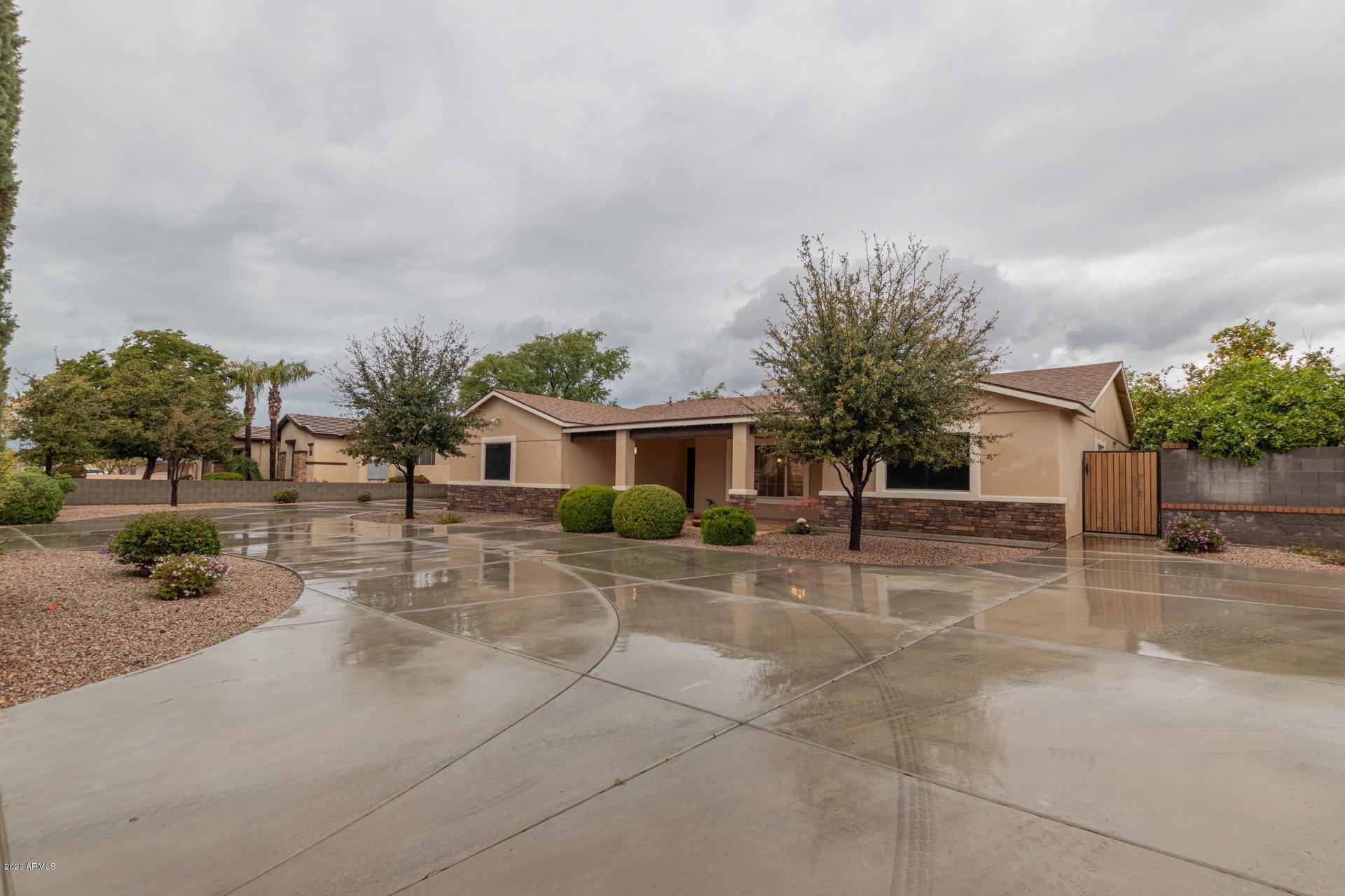 Photo of 4546 W GELDING Drive, Glendale, AZ 85306