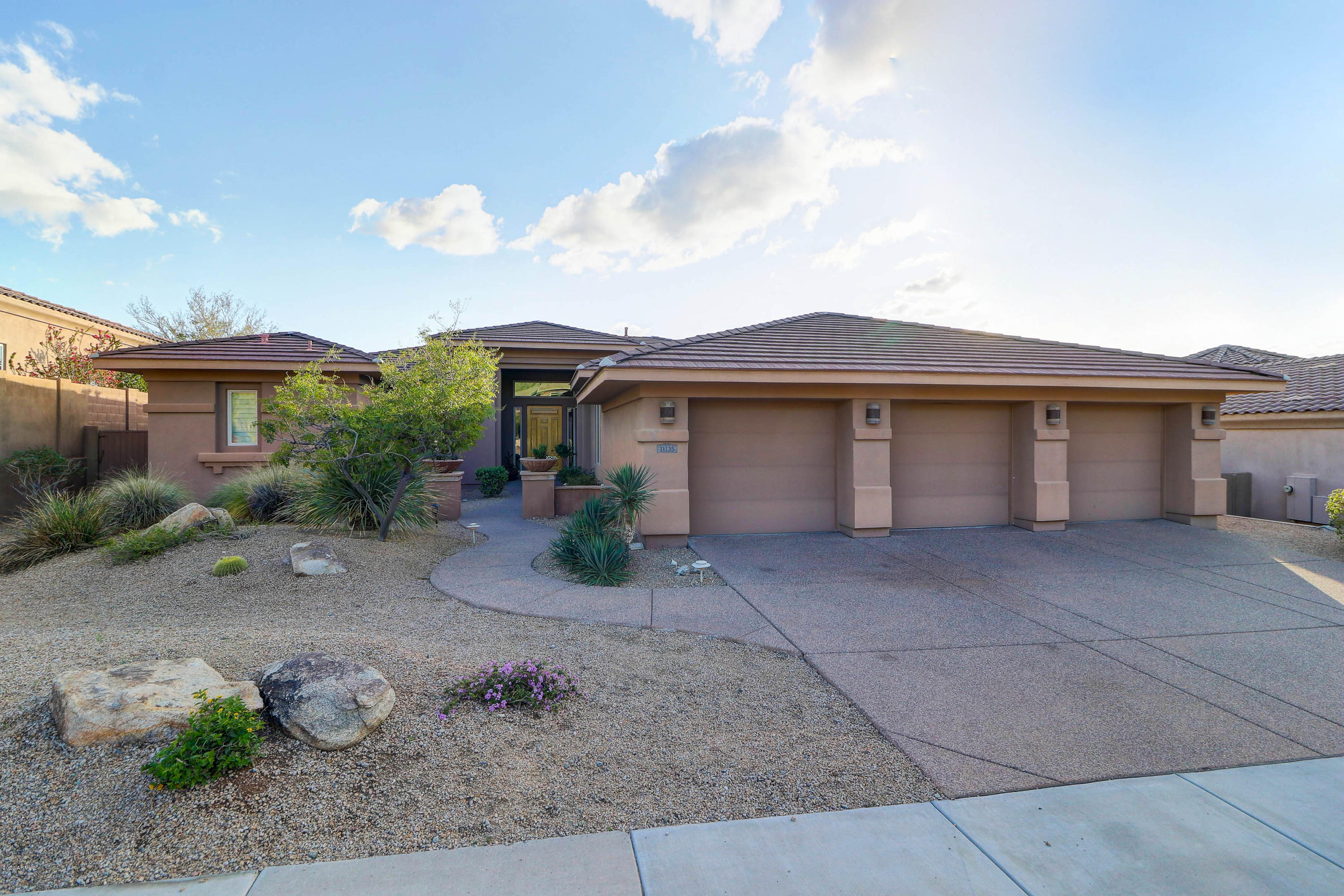 Photo of 11135 E GREENWAY Road, Scottsdale, AZ 85255