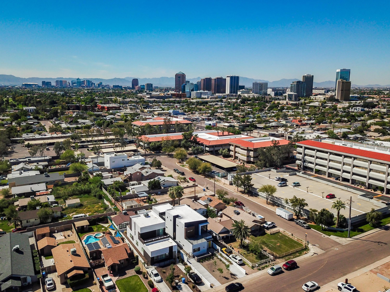 Photo of 809 E FAIRMOUNT Avenue, Phoenix, AZ 85014