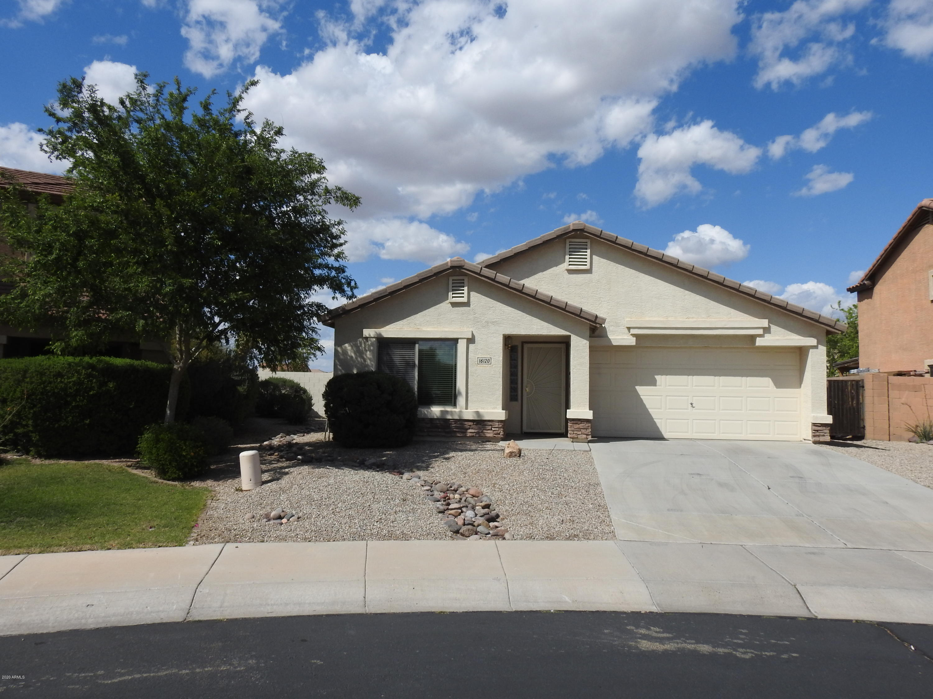 Photo of 16120 W KENDALL Street, Goodyear, AZ 85338