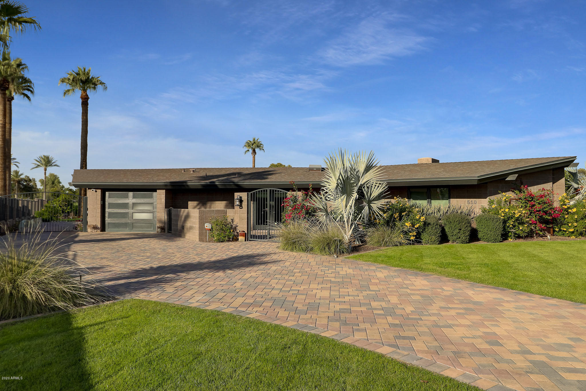 Photo of 510 E FAIRWAY Drive, Litchfield Park, AZ 85340