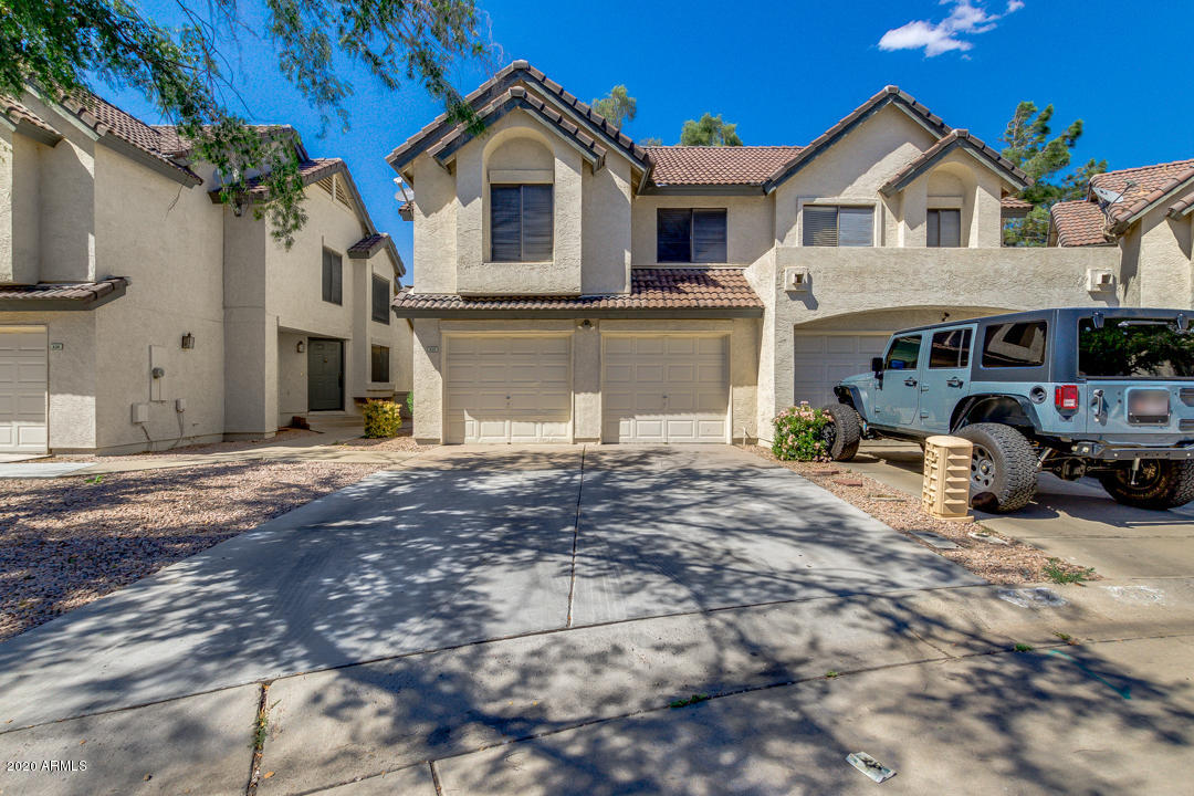 Photo of 422 S SEAWYNDS Boulevard, Gilbert, AZ 85233