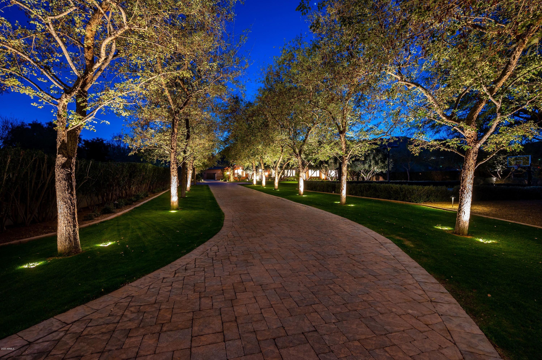 Photo of 5000 E SKY DESERT Lane, Paradise Valley, AZ 85253