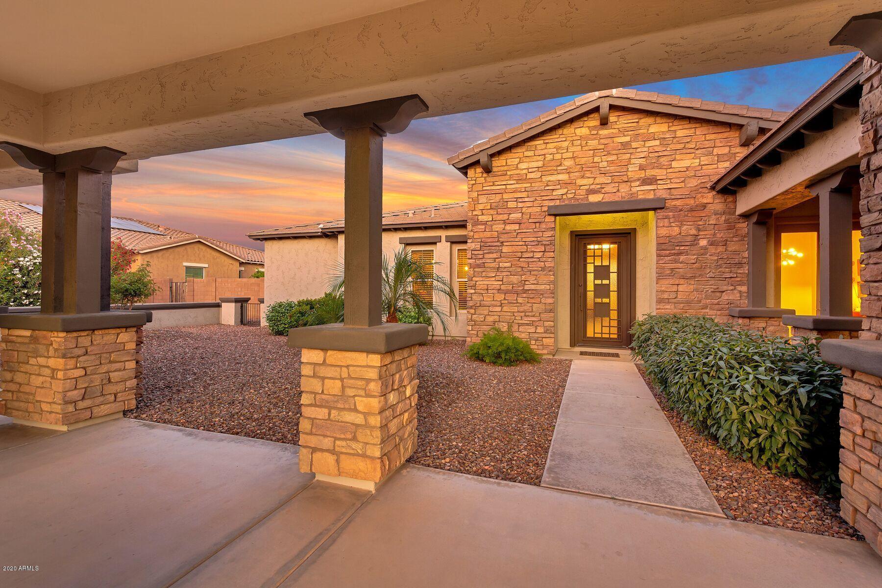 Photo of 4675 S BANNING Drive, Gilbert, AZ 85297