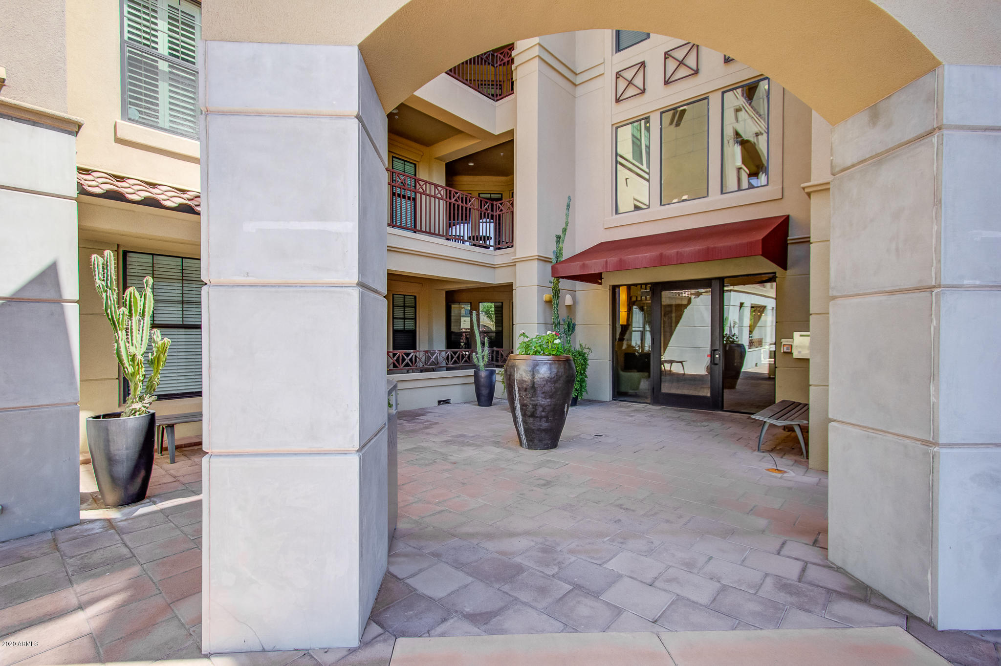 Photo of 7291 N SCOTTSDALE Road #2014, Paradise Valley, AZ 85253