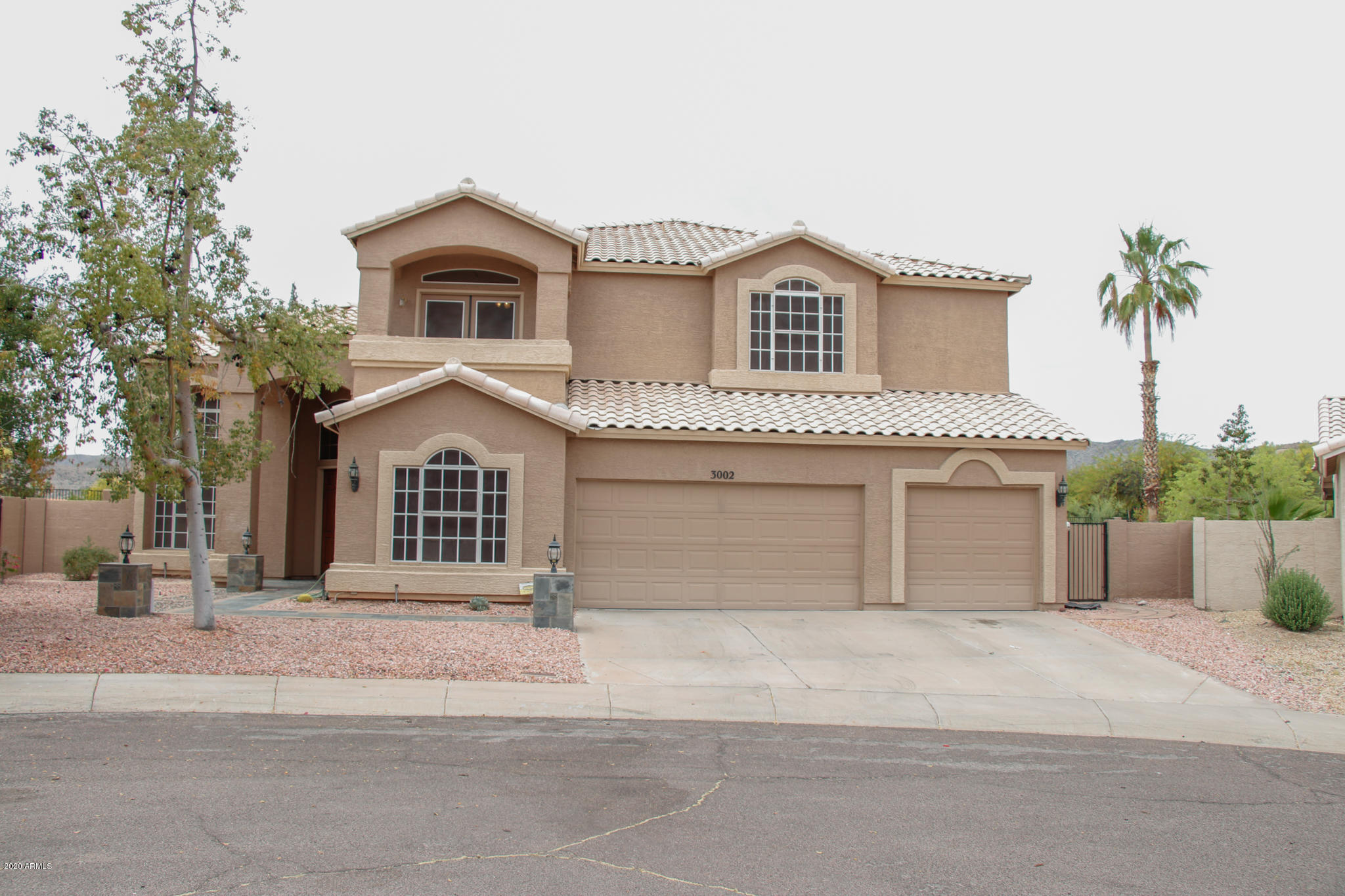 Photo of 3002 E THUNDERHILL Place E, Phoenix, AZ 85048