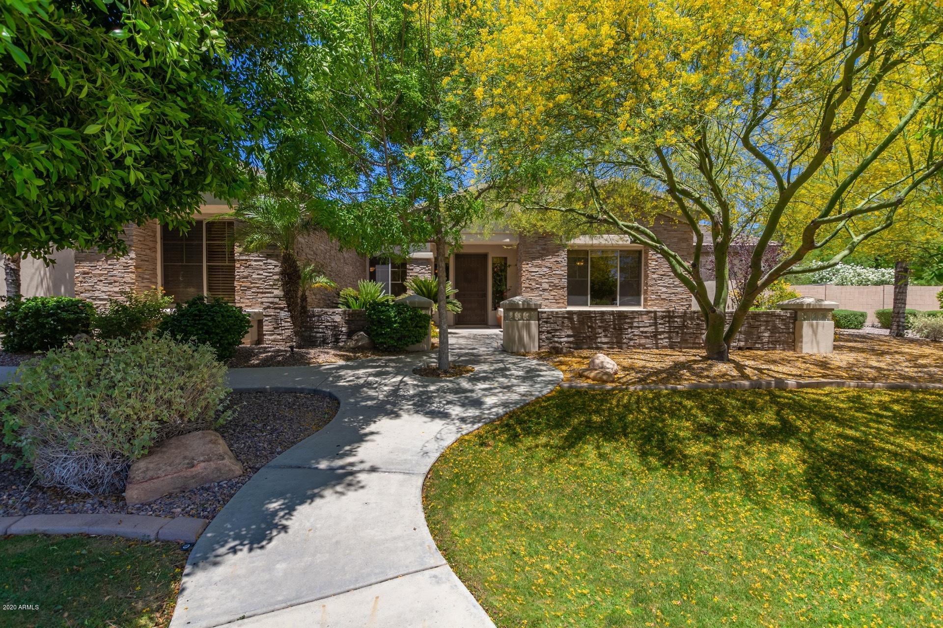 Photo of 3526 E MENLO Circle, Mesa, AZ 85213
