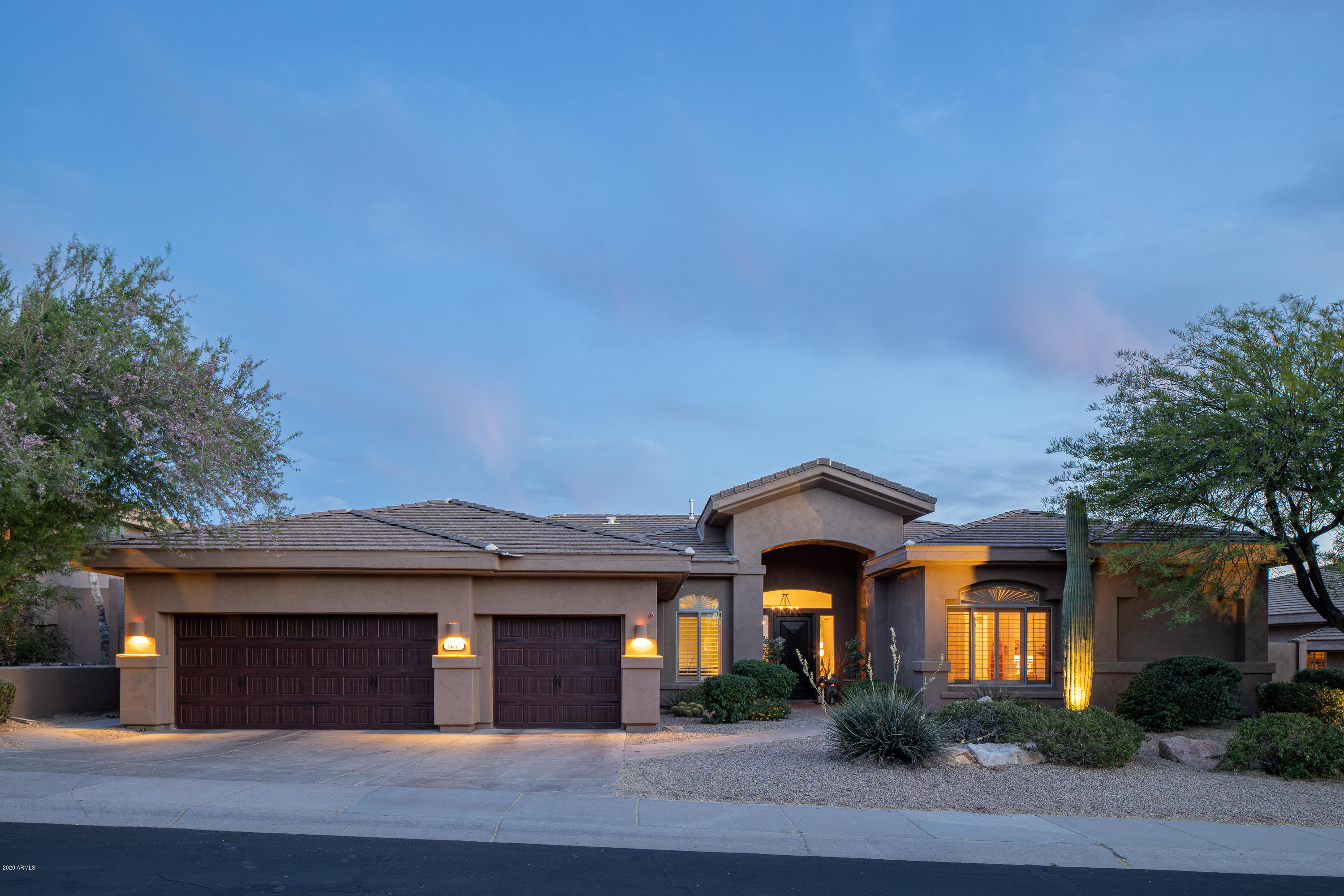 Photo of 11011 E ACOMA Drive, Scottsdale, AZ 85255