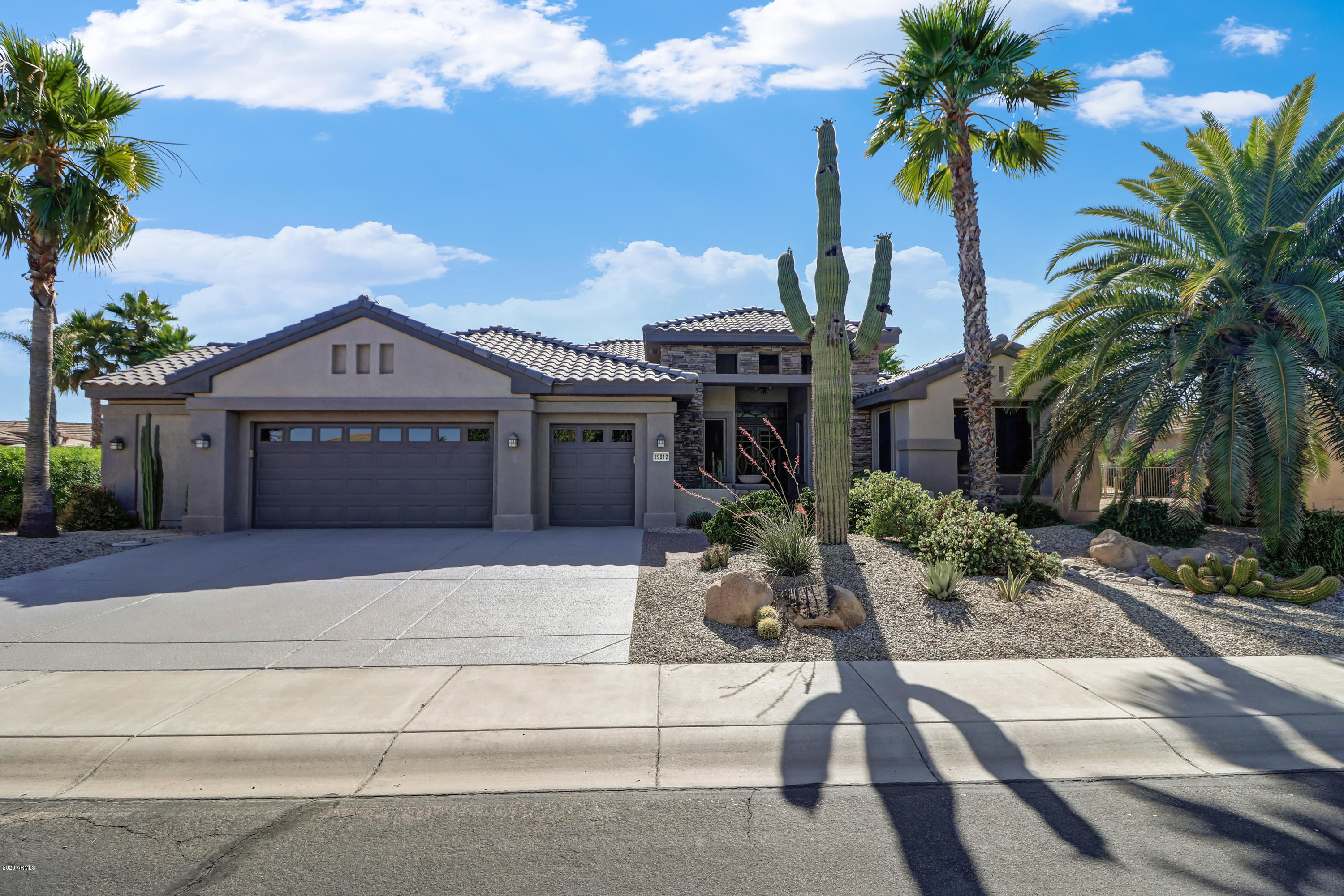 Photo of 19912 N HALF MOON Drive, Surprise, AZ 85374