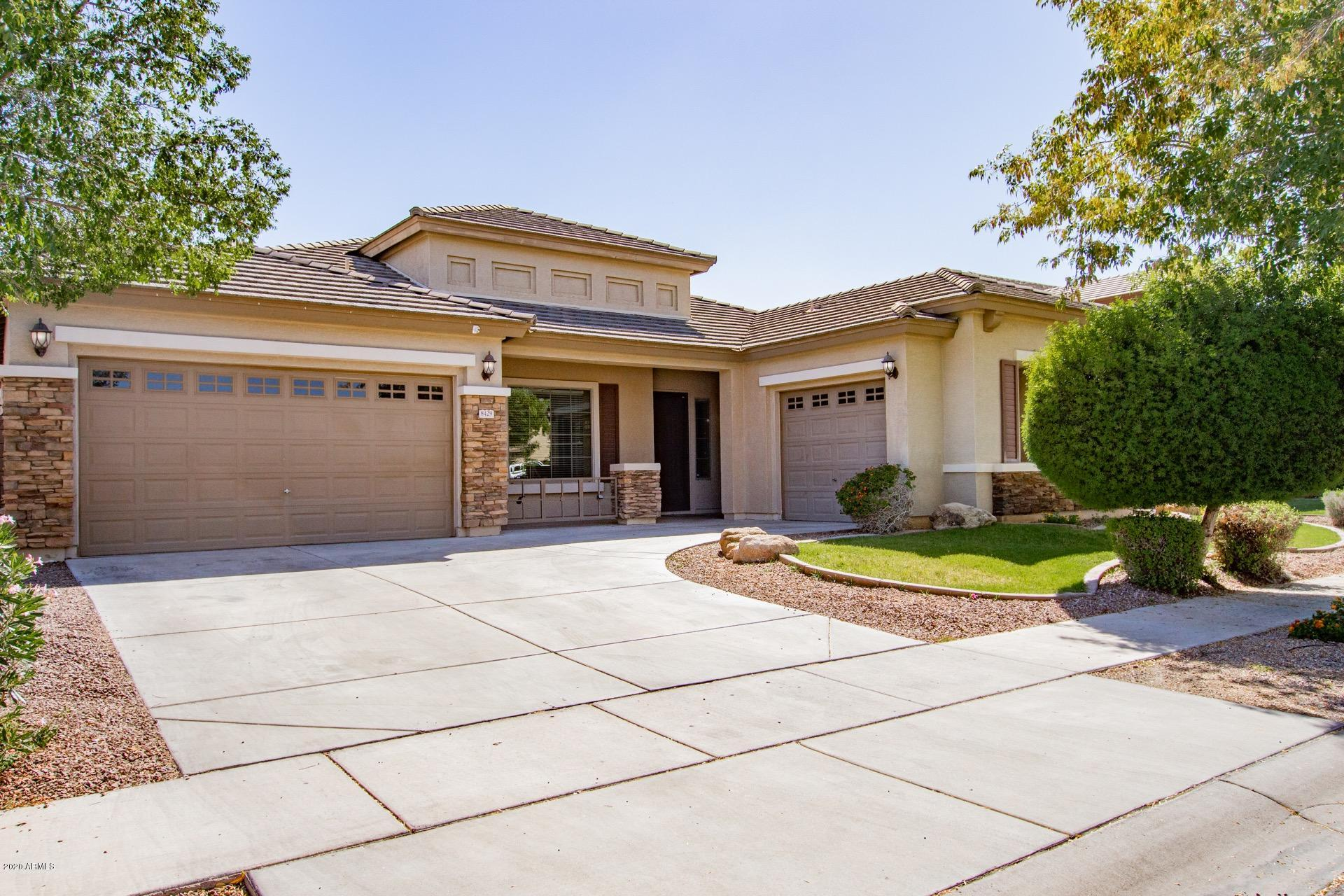 Photo of 8429 W NORTHVIEW Avenue, Glendale, AZ 85305