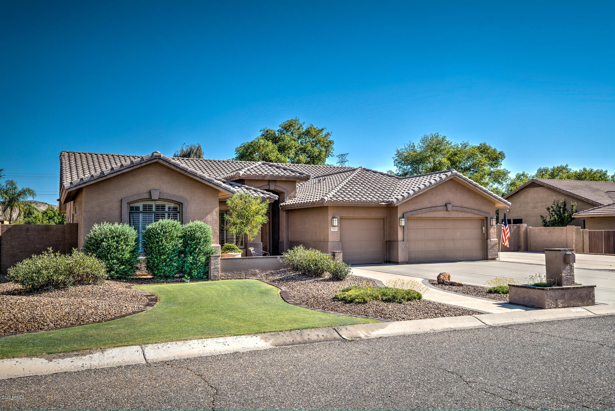 Photo of 5543 W WEST WIND Drive, Glendale, AZ 85310