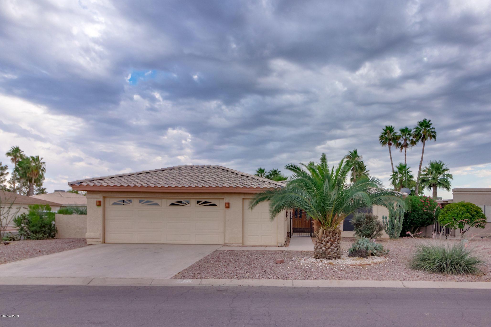 Photo of 26662 S NEW TOWN Drive, Sun Lakes, AZ 85248