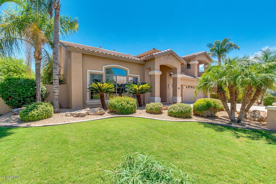 Photo of 8143 W ELECTRA Lane, Peoria, AZ 85383
