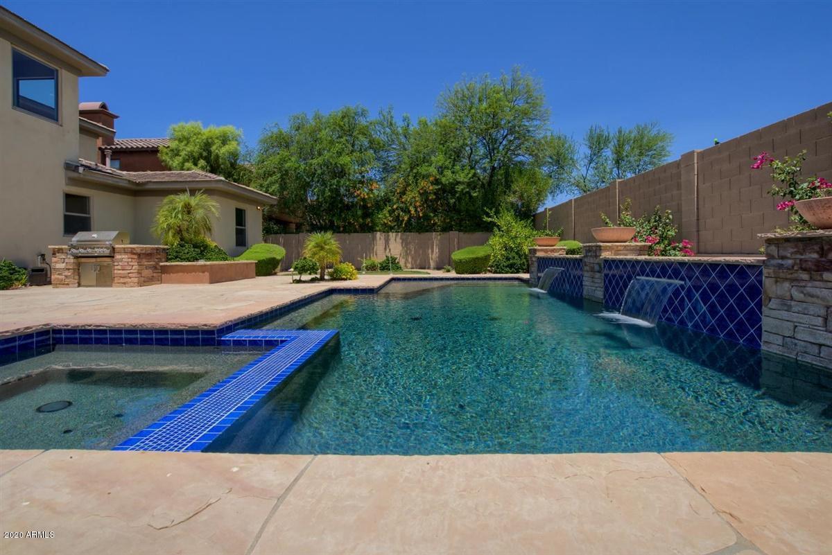 Photo of 3662 E CREST Lane, Phoenix, AZ 85050