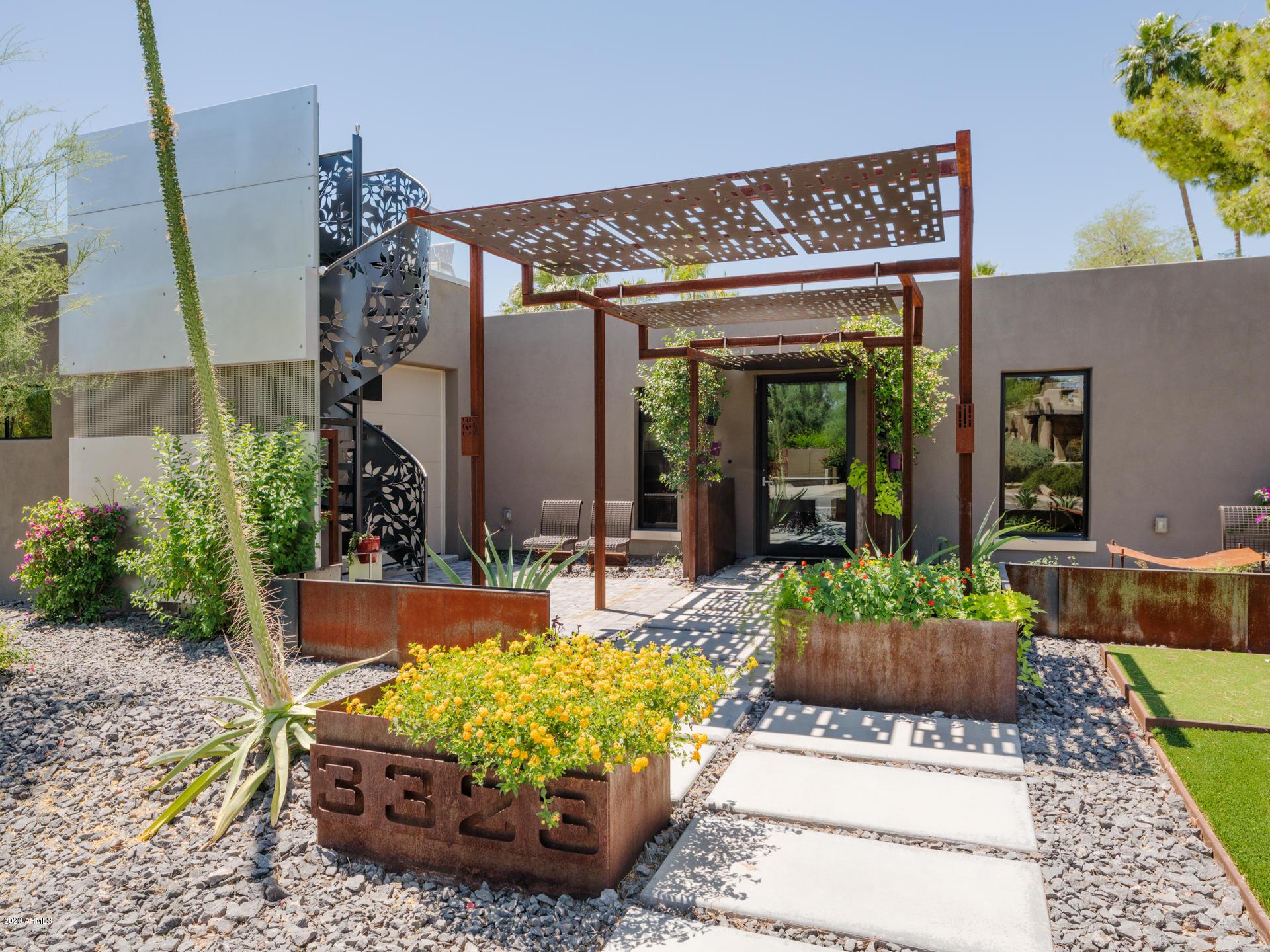Photo of 3323 E VOGEL Avenue, Phoenix, AZ 85028