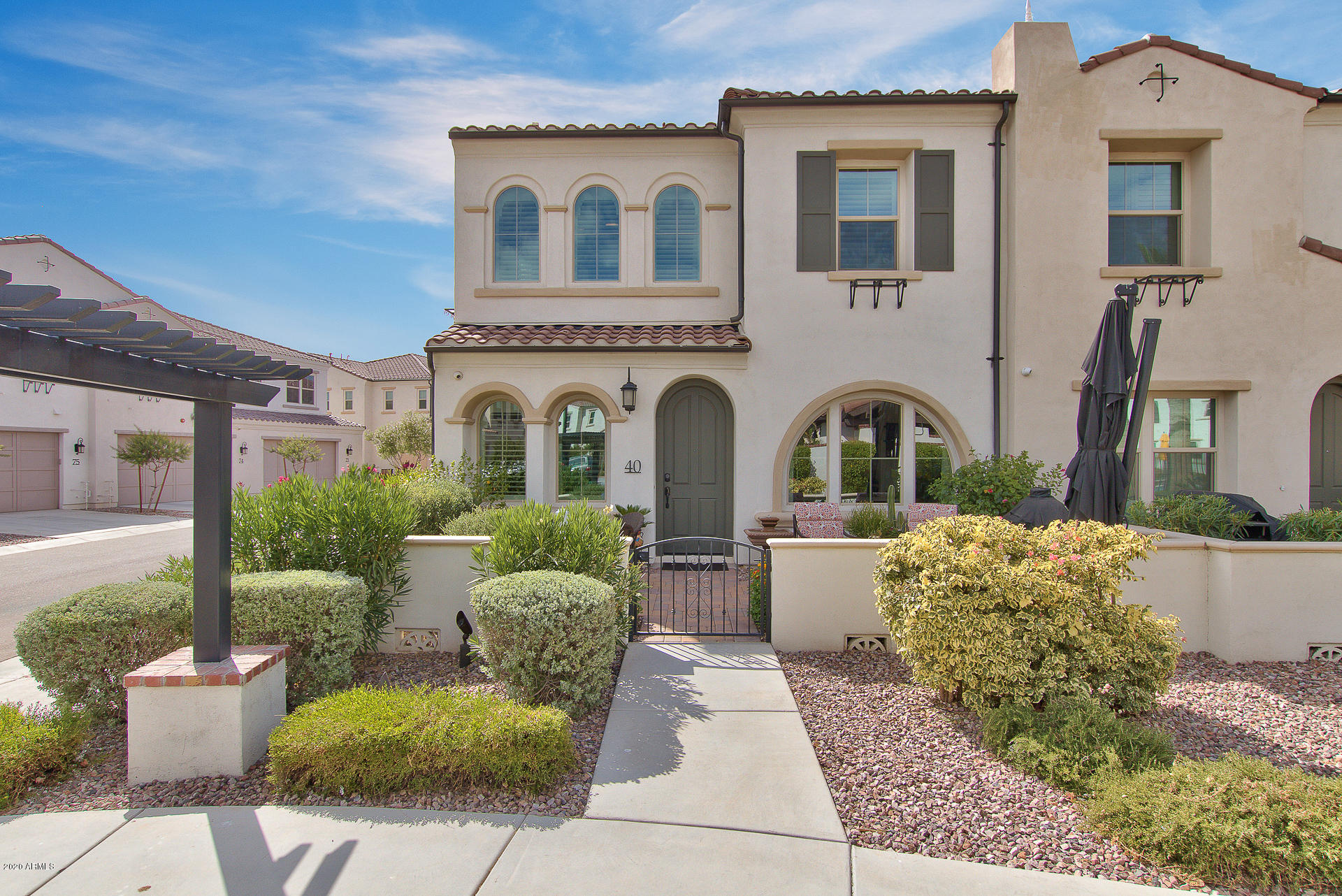 Photo of 2477 W MARKET Place #40, Chandler, AZ 85248