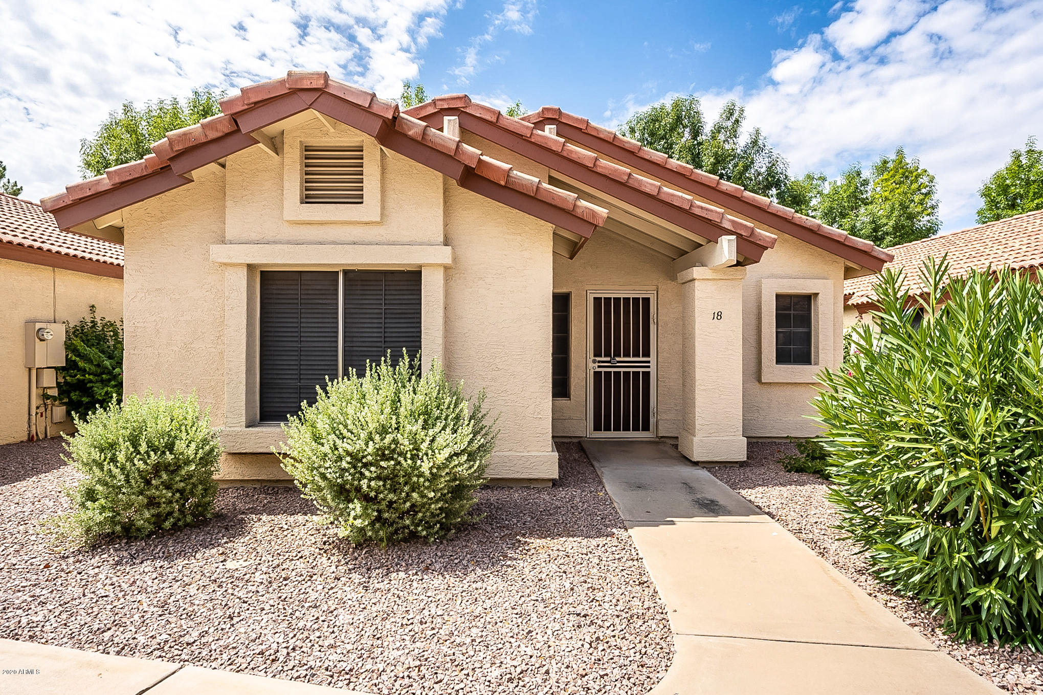 Photo of 1120 N VAL VISTA Drive #18, Gilbert, AZ 85234