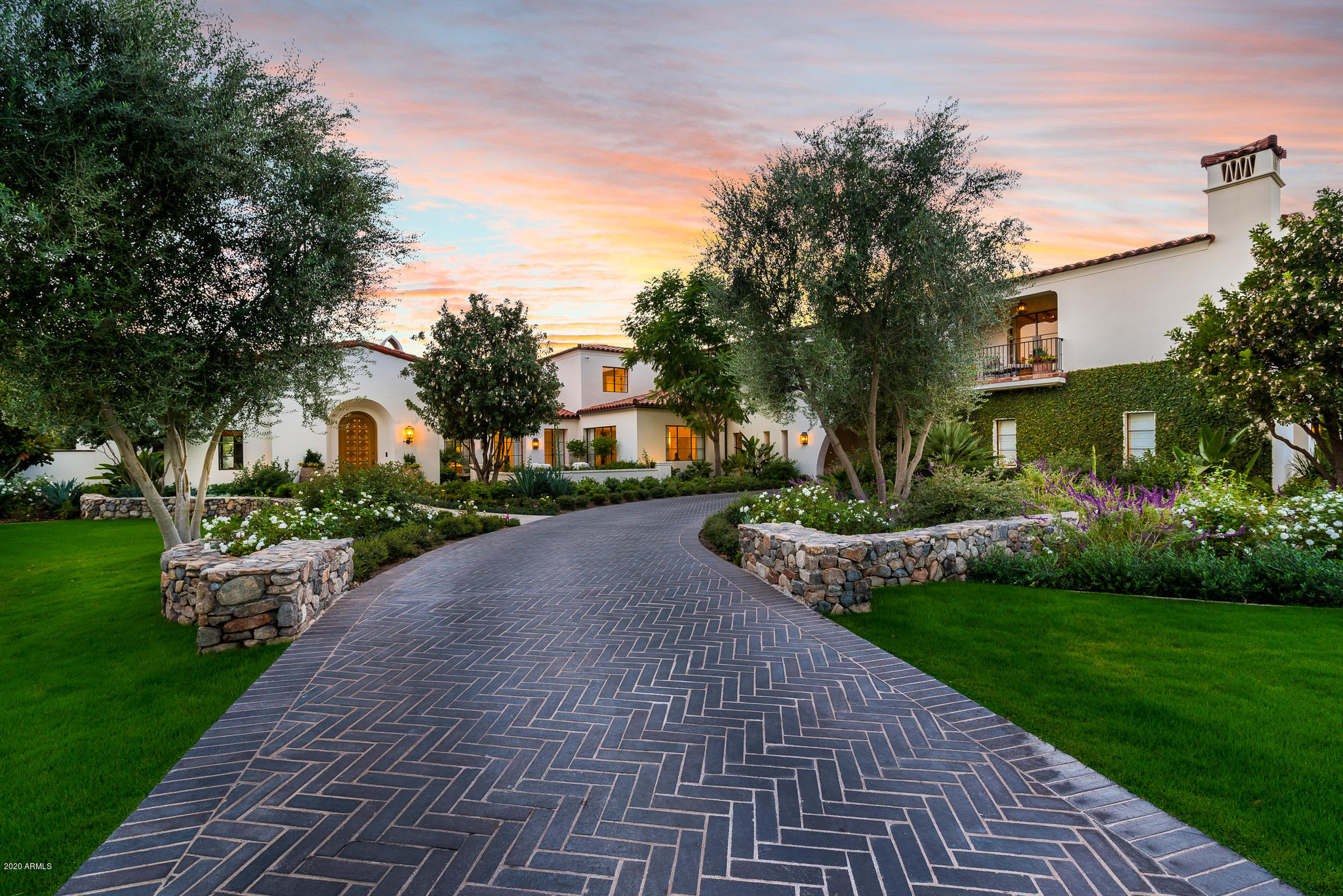 Photo of 8524 N MORNING GLORY Road, Paradise Valley, AZ 85253