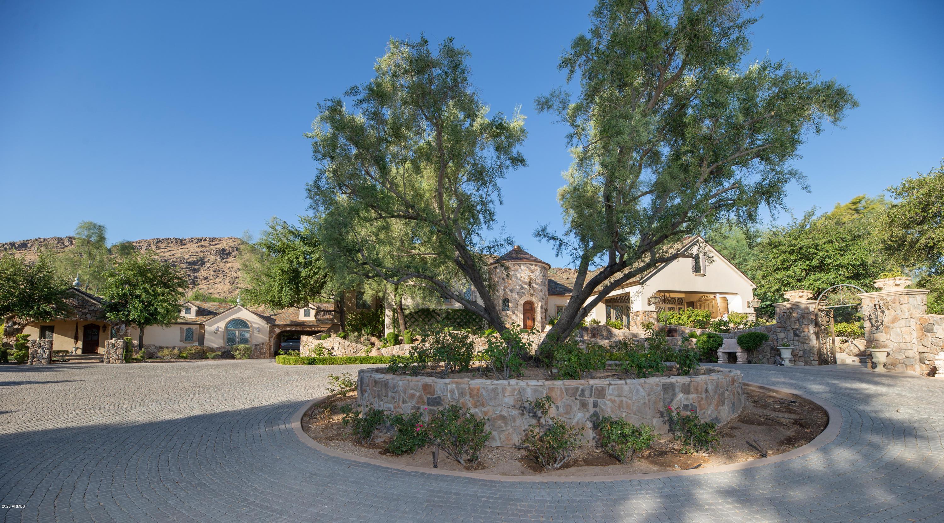 Photo of 5701 E MOCKINGBIRD Lane, Paradise Valley, AZ 85253