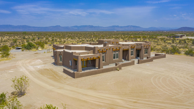 MLS 6038885 22275 W EL GRANDE Trail, Wickenburg, AZ 85390 Wickenburg AZ One Plus Acre Home