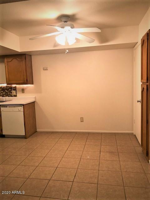 1075 E CHANDLER Boulevard Unit 112 Photo 8