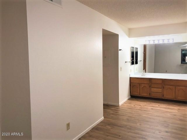 1075 E CHANDLER Boulevard Unit 112 Photo 20