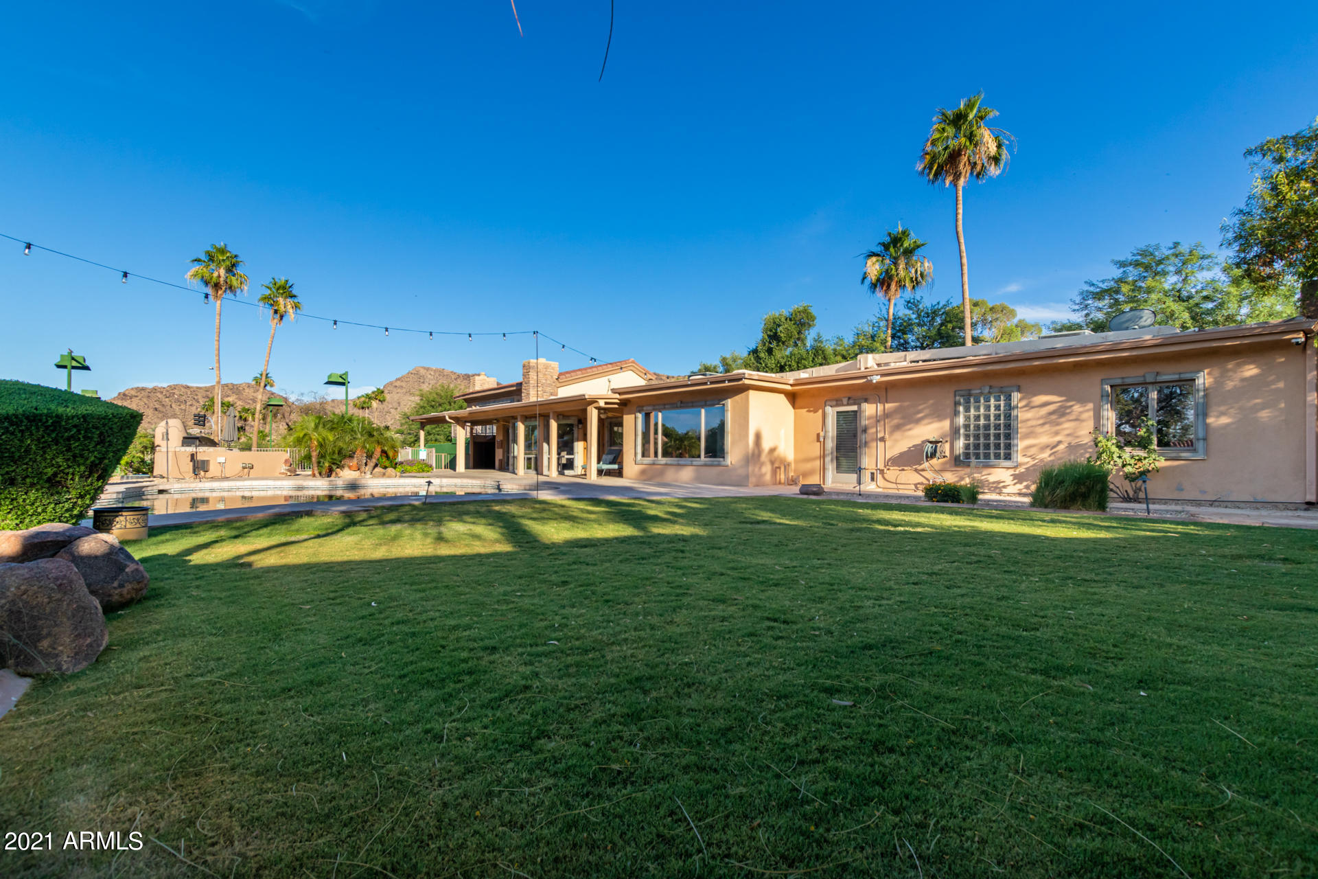 4744 FOOTHILL Drive